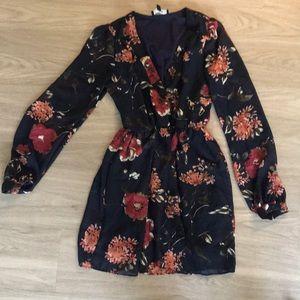 Lulu's Size S Navy Floral Dress